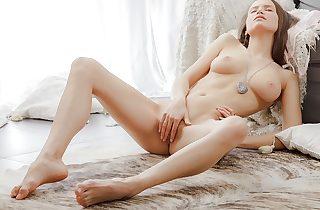 Erotic beautiful vid with a female masturbating