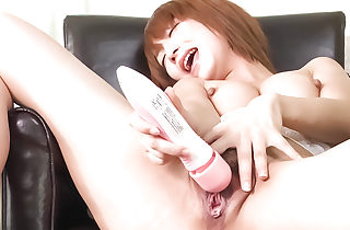 Sana Anzyu stretches the brush arms concerning trinket the brush shaved grasping pussy in the matter of a chubby vibrator